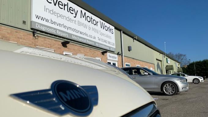 Customers still using franchised main dealers for car repairs