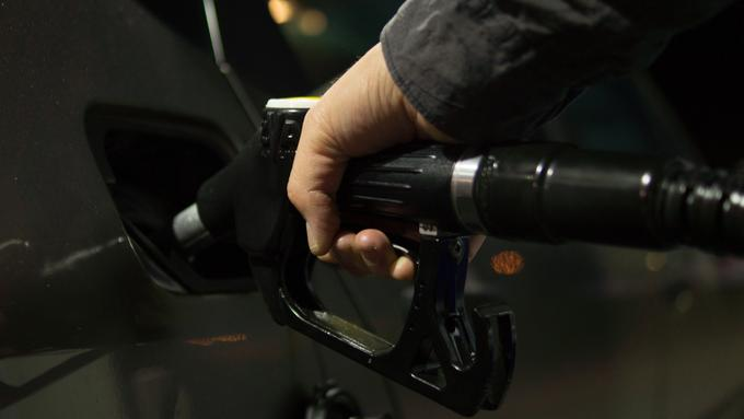 E10 petrol is being introduced at fuel stations from September